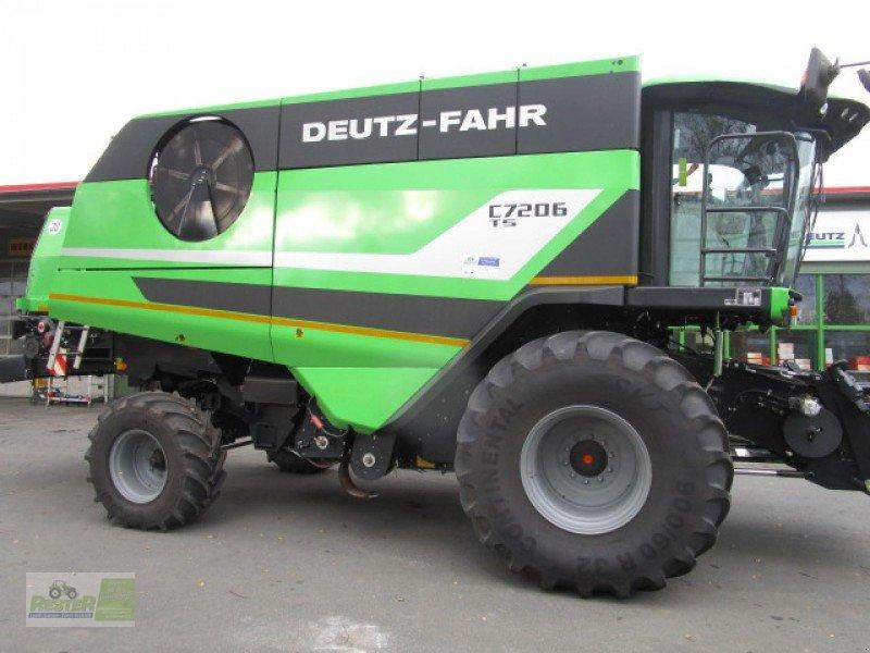 Mähdrescher of the type Deutz-Fahr C 7206 TS in Wernberg-Köblitz (Picture
