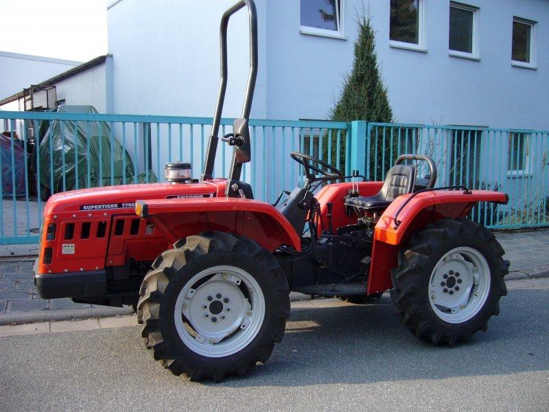antonio carraro 7700 tracteur pour viticulture