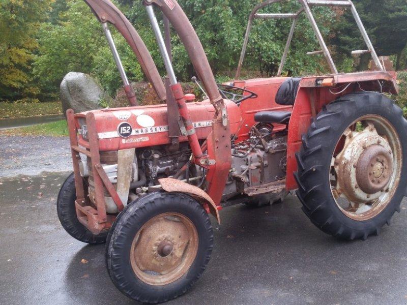 massey ferguson 152 traktor 92717 reuth. Black Bedroom Furniture Sets. Home Design Ideas