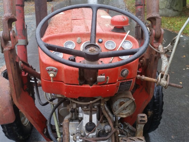 massey ferguson 152 tracteur  92717 reuth