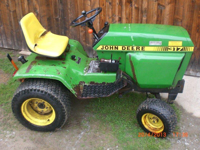john deere 317 tracteur tondeuse. Black Bedroom Furniture Sets. Home Design Ideas