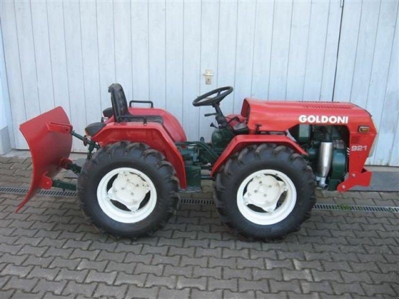 Goldoni Goldoni 921 Tracteur - technikboerse.com