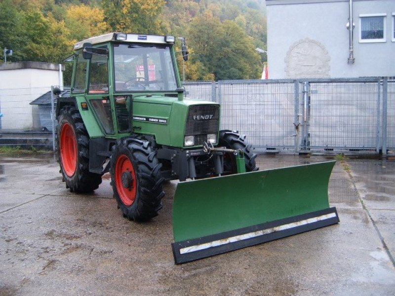fendt 304ls allrad auf wunsch mit schneeschild traktor. Black Bedroom Furniture Sets. Home Design Ideas