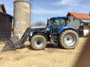 Traktor des Typs New Holland T 7.210 in Altfraunhofen