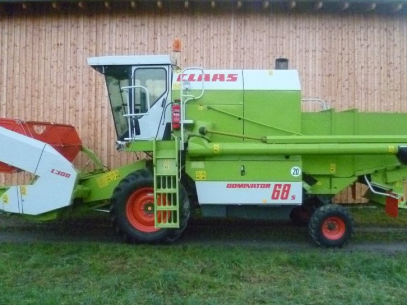 Moissonneuse batteuse claas dominator 68