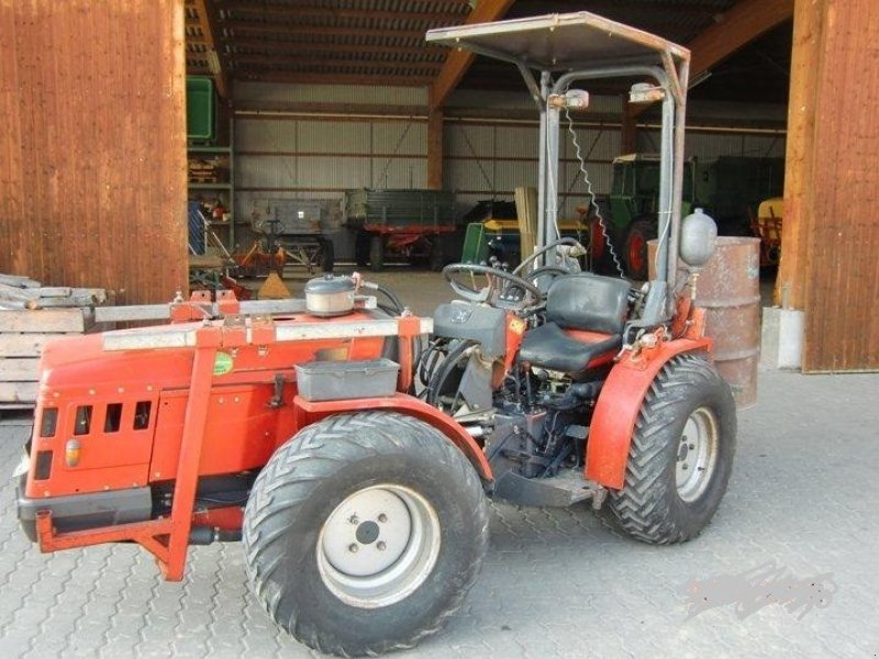 carraro supertigre 5500 tracteur pour viticulture